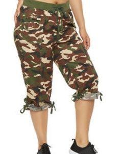 Black, White & Grey Camouflage Plus Size Capri 3X